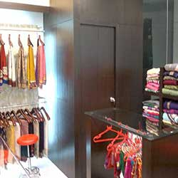 Mahilla Showroom Interior Design Sample